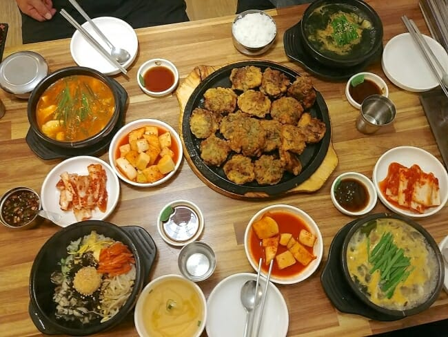 Korean oyster dishes