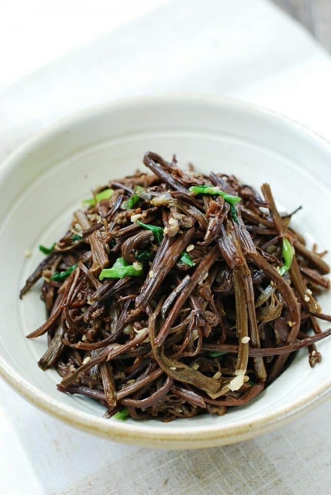 Gosari (bracken fiddleheads) side dish