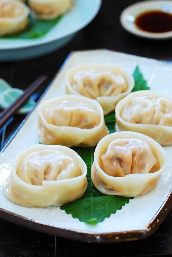 Kimchi mandu (Korean dumplings made with kimchi)